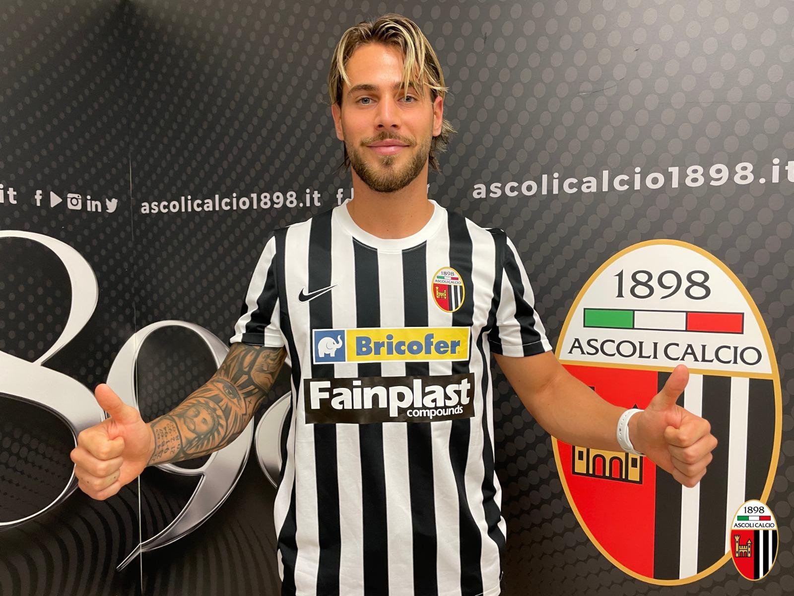 """De Paoli: """"Sono un attaccante moderno, è stato facile dire di sì all'Ascoli""""."""