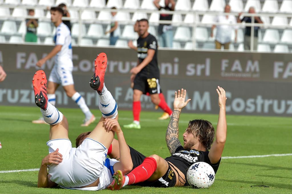 """#ASCBRE post gara De Paoli: """"Mano di Mangraviti in area, episodio che poteva cambiare il match""""."""