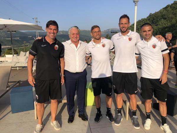 """Patron Pulcinelli in visita alla squadra: """"A breve ci sarà qualche colpo"""""""