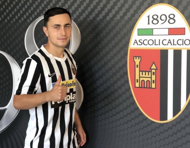 """Giuseppe Barone si presenta: """"Sono un esterno offensivo, mi piace puntare l'uomo""""."""