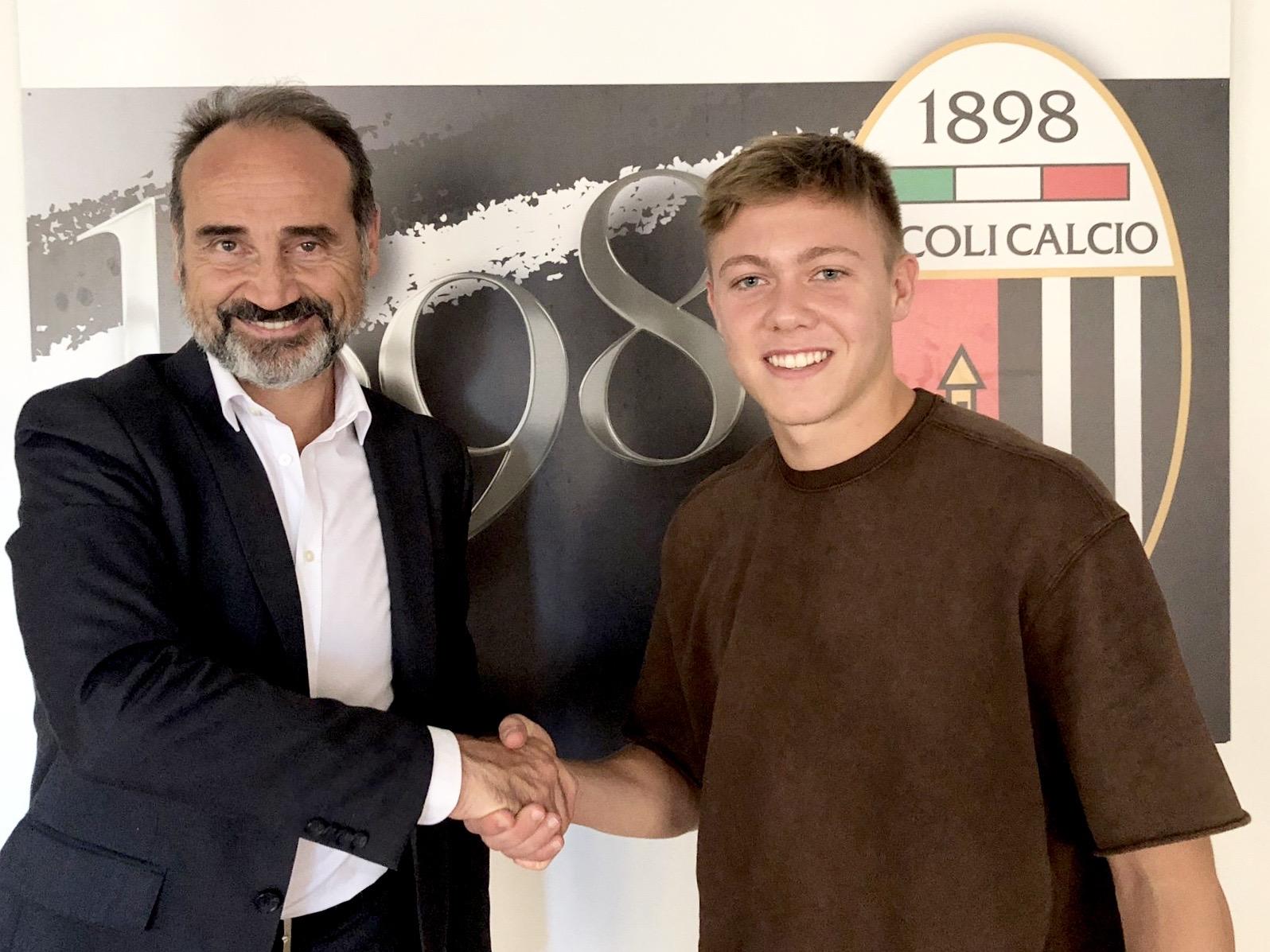 #Calciomercato: triennale per Fiorani, che va in prestito al Teramo.
