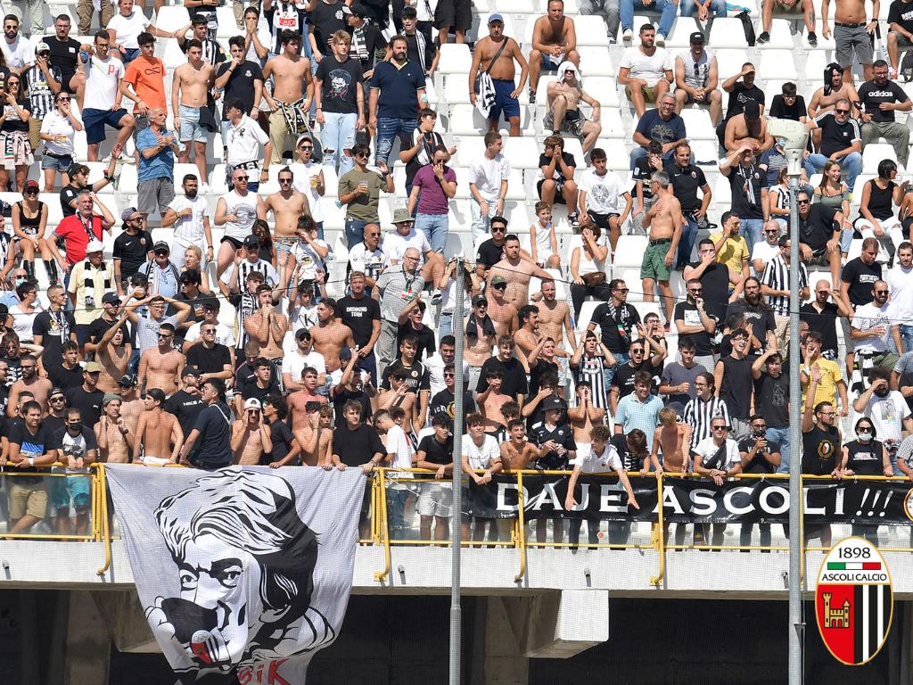 Ascoli-Lecce: biglietti in vendita da martedì pomeriggio.